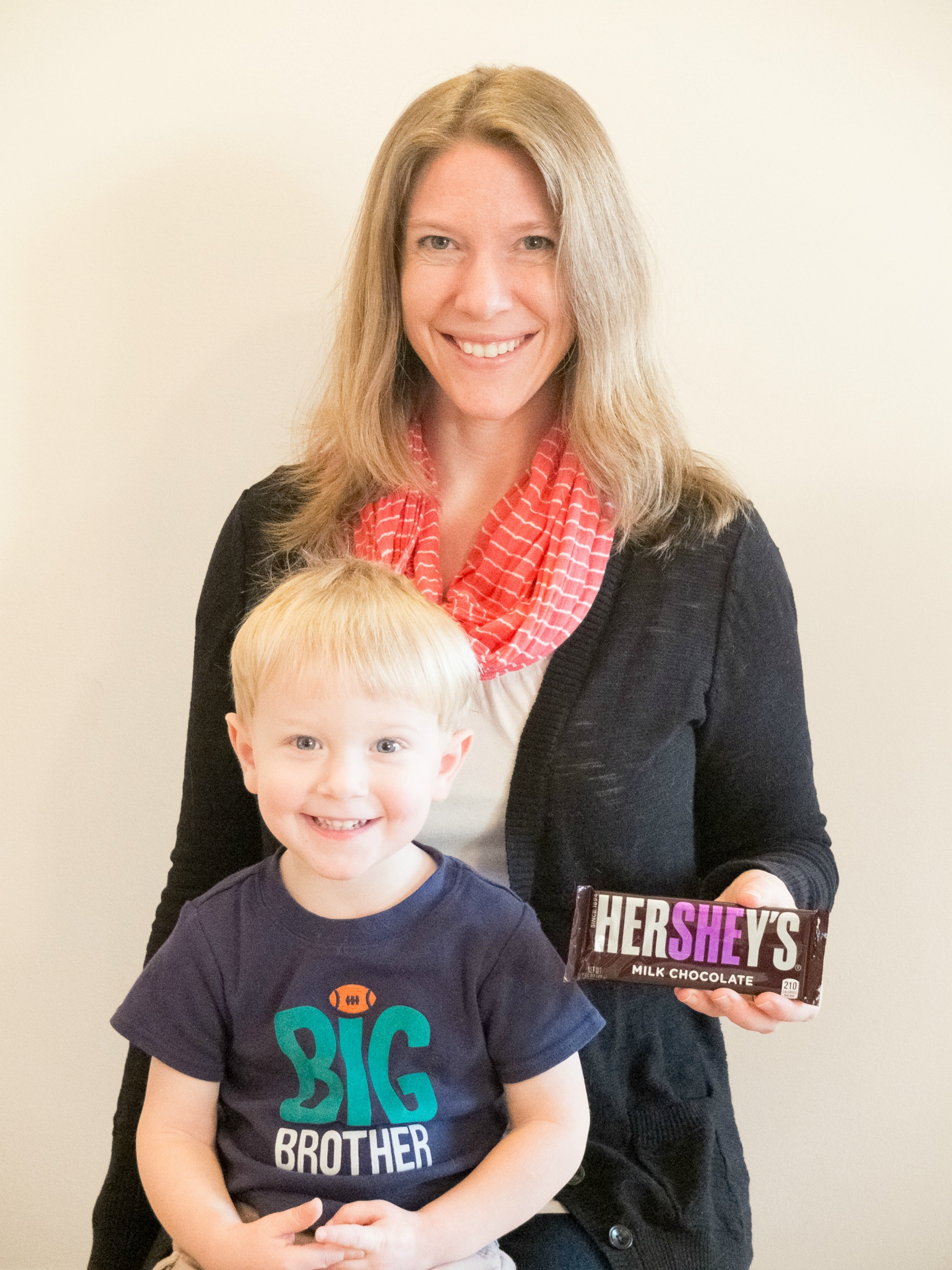 Cheap and Easy Baby Gender Reveal Idea Using Hershey Bars Pick – Hershey Bar Birth Announcements