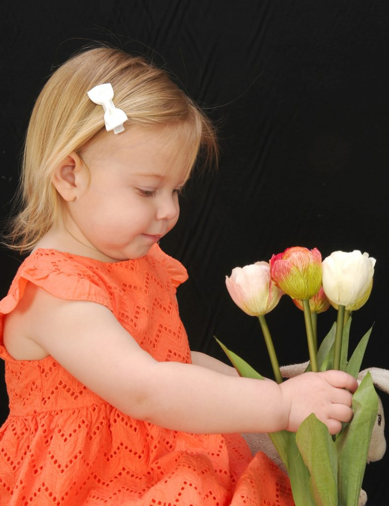 Tips for Celebrating Spring with Beautiful Family Portraits